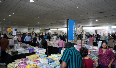 The Big Bad Wolf Book Sale prompts crowd into a Book-Buying frenzy